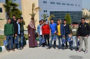 جامعة عمان الأهلية تستقبل وفدا من طلبة مدرسة الغفران