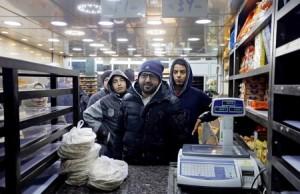 الأردن: الاقتصاد «ينكمش» وعائدات الخزينة تتقلص ورهانات الحكومة «غير دقيقة»