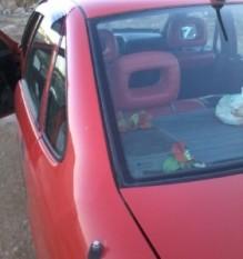 تفاصيل قصة سيارة الــ «ابل فكترا» ذات اللون الأحمر بمنطقة دير غبار في عمان