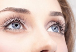 من منظور علمي لماذا للعيون ألوان مختلفة؟