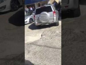 بالفيديو .. سطو مسلح على البنك العربي فرع شارع مكة بالعاصمة عمان