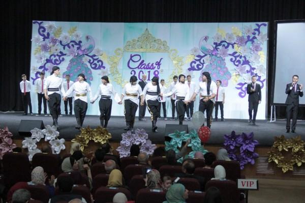 مدارس النظم الحديثة / بنات تحتفل بتخريج طالبات الفوج الثالث عشر من الثانوية العامة