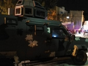 بالصور .. اشتباكات بين الامن والمواطنين والاعتداء على مركز امني بجرش