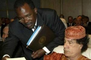 الرجل الغامض في مكتب القذافي يخرج عن صمته ويورّط ساركوزي