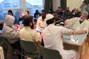بالفيديو...المسلمون في هذه الدولة يصومون 22 ساعة...ساعتان فقط لتناول الطعام