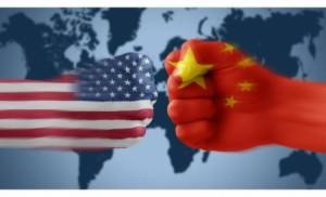 حرب تجارية بين عملاقين .. واشنطن تهاجم وبكين ترد