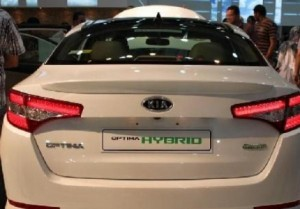 كناكرية: مراجعة قرار رسوم السيارات الهجينة خلال اسبوع