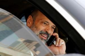 الرزاز يمنع شراء المركبات الحكومية .. وسيارة واحدة لكل وزير