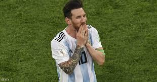 بالصورة .. ميسي يفاجئ صحفيًا أرجنتينيًا بما