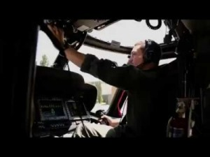الحسين ينشر فيديو جديد وهو يقود طائرة مرحية عسكرية