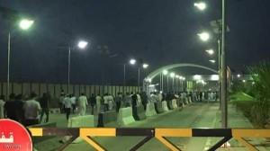 متظاهرون عراقيون يقتحمون مطار النجف ويوقفون حركة الطيران