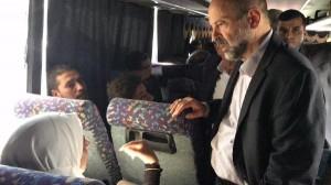 بالصور ...الرزاز يستمع للركاب بمجمع الشمال في طبربور
