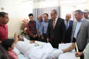 بالصور...أمين عمان يعود مصابي القوات المسلحة الأردنية والأجهزة الأمنية والمواطنين