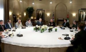 الملك يلتقي عددا من الإعلاميين والكتّاب الصحفيين