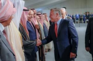 الملك يلتقي وجهاء وشيوخ البادية الأردنية .. صور