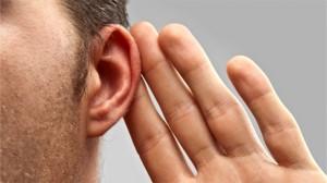 علماء يكشفون الاسباب .. لماذا يكره الشخص سماع صوته؟