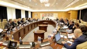 حكومة الرزاز تفشل فشلاً ذريعاً بإقناع الأردنيين في قانون ضريبة الدخل