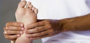 ماذا يحدث إذا قمت بتدليك قدميك كل ليلة لمدة 10 دقائق؟