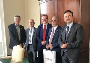 تعزيز اتفاقية التعاون المشترك بين جامعة عمان الاهلية وجامعة كوينز