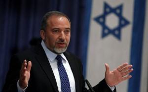 ليبرمان يهدد حماس بتصعيد قريب