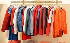 الجمارك تضبط مصنع ملابس مقلدة