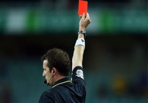 لاعبون تلقوا أكبر عدد من البطاقات الحمراء في التاريخ (شاهد)