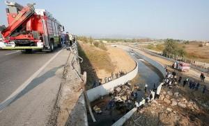 مصرع 15 مهاجراً بتدهور شاحنة غرب تركيا