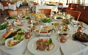 مواطنو 3 دول مهددون بالضرب إذا دخلوا هذا المطعم التركي .. تفاصيل