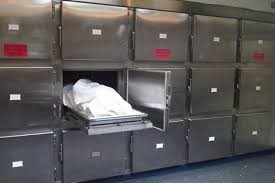 العثور على جثة شخص متوفيا بعيار ناري داخل مركبته في الزرقاء