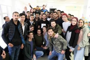 بالصور...ولي العهد الامير الحسين يفاجئ طلاب جامعة الحسين التقنية