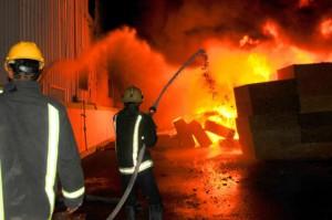 وفاة طفلة وإصابة شقيقيها إثر حريق في منطقه جبل القصور بالعاصمة عمان