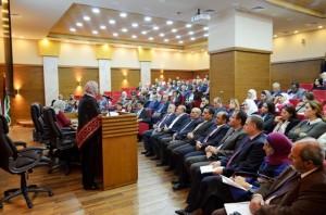بحضور رئيس هيئة المديرين ... أ.د. ساري حمدان  يفتتح مدرج