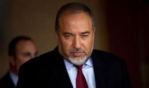 ليبرمان يدلي ببيان اليوم وقد يعلن استقالته بسبب غزة