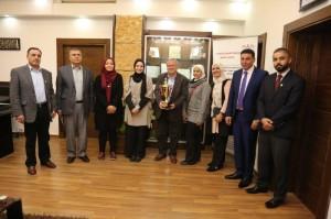 رئيس جامعة البترا يكرم فريق كلية الحقوق لحصوله على المركز الأول على مستوى الأردن في مسابقة المحاكمة الصورية وتأهله للمسابقة الإقليمية