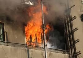 إصابة خمسة من ضباط الصف بمركز أمن المقابلين أثناء إنقاذهم لعائلة شب حريق بمنزلهم