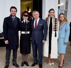 بالصور...الملك والملكة والامير الحسين يحضرون تخريج الاميرة سلمى من ساندهيرست