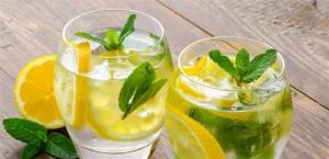 فوائد مذهلة .. تناولوا الماء والحامض على معدة فارغة!