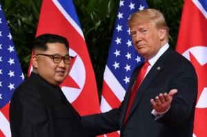 ترامب يأمل لقاء كيم بداية العام المقبل