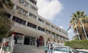 رئيس مجلس النقباء يطلب من الرزاز وقف العمل بنظام الخدمة المدنية الجديد حتى لقاء النقباء بالحكومة
