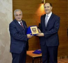 جامعة عمان الاهلية تكرم د. وسام عماري من كلية الصيدلة والعلوم الطبية على إنجازه البحثي