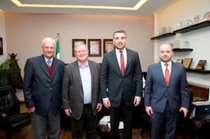 جامعة البترا تبحث التعاون مع الجامعات الرومانية