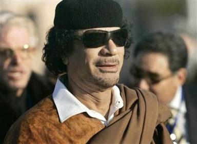 القذافي يؤم المصلين في نواكشوط