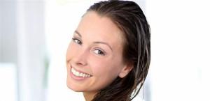 ممارسات خاطئة تدمّر شعرك في فصل الشتاء .. إحذريها
