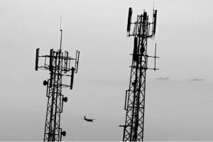 تقرير: لا آثار صحية سلبية لمحطات الهواتف الخلوية وشبكات الاتصالات