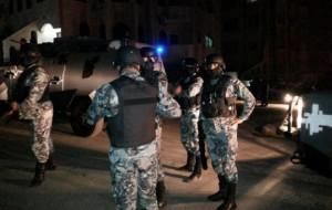 طعن شخص بأداة حادة خلال مشاجرة جماعية في منطقة الشونه الشمالية