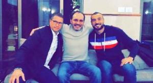 شفيع ينشر صورة تجمعه مع الامير علي ومدرب النشامى فيتال