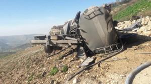 بالصور ... إصابة بتدهور صهريج في منطقة مرج الحمام بالعاصمة عمان