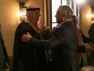 بالصور ... جلالة الملك عبدالله الثاني يلتقي عددا من رفاق السلاح المتقاعدين