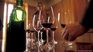 أبرزها مشروبات روحية ... جمرك عمان يتعامل مع قضايا تهريب