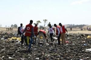 تواصل التحقيقات بشأن تحطم الطائرة الإثيوبية وحداد وطني في أديس أبابا